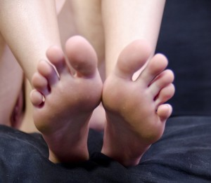 Alisha Adams Plays With Her Sexy Feet!